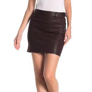 GOOD AMERICAN Coated Mini Skirt Bordeaux